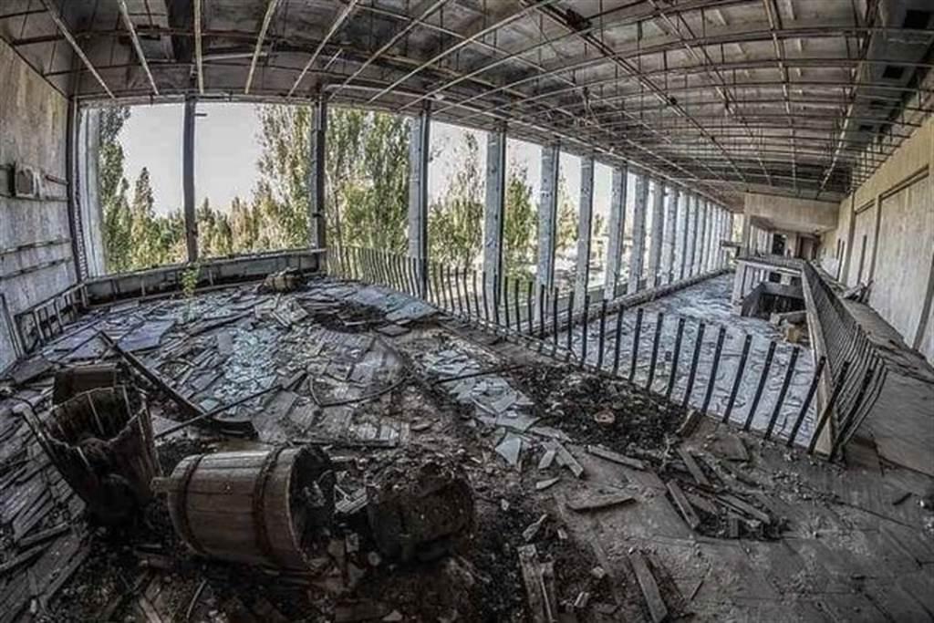 伊朗納坦茲核能站被炸毀的廠房內部。(圖/伊朗新聞社)