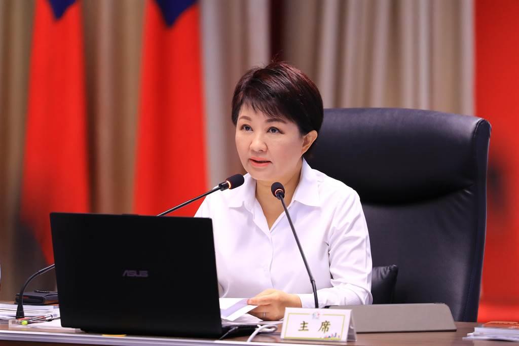 台中市長盧秀燕7日表示,蘇揆宣布將於2022年夏天補助全國中小學教室裝冷氣,希望今年底或明年開始,兩年內全額幫台中安裝冷氣。(盧金足攝)