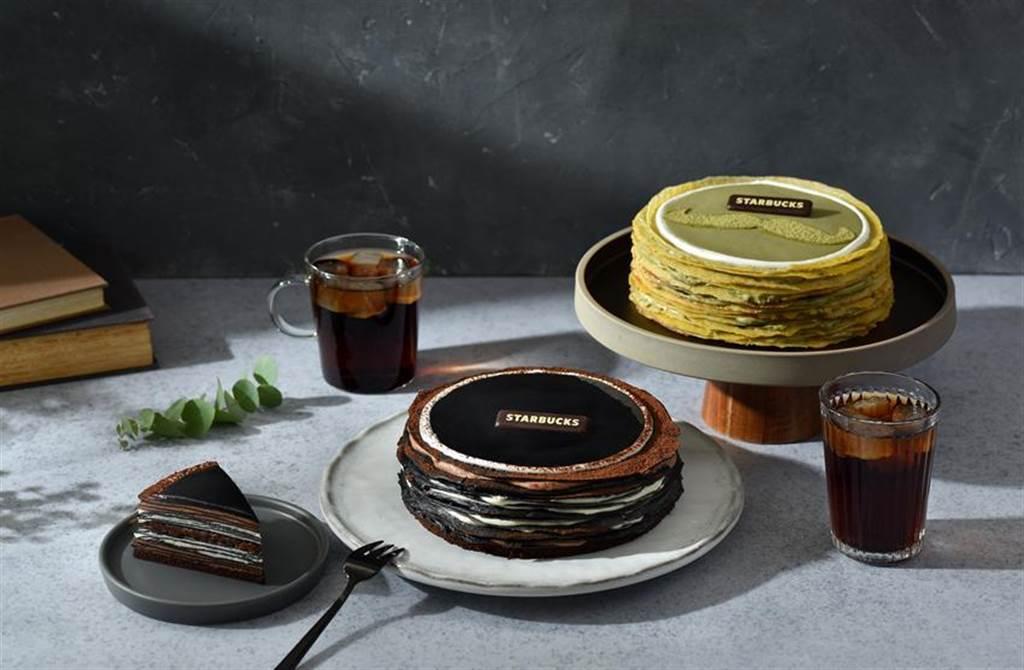 星巴克推出多款父親節蛋糕早鳥預購88折優惠,圖為竹炭巧克力奶酒千層薄餅、厚抹茶千層薄餅。(圖/星巴克提供)