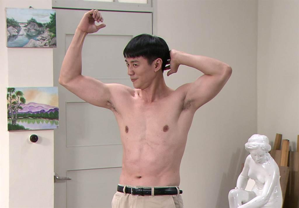方大緯劇中為薛仕凌擔任人體模特兒。(台視提供)