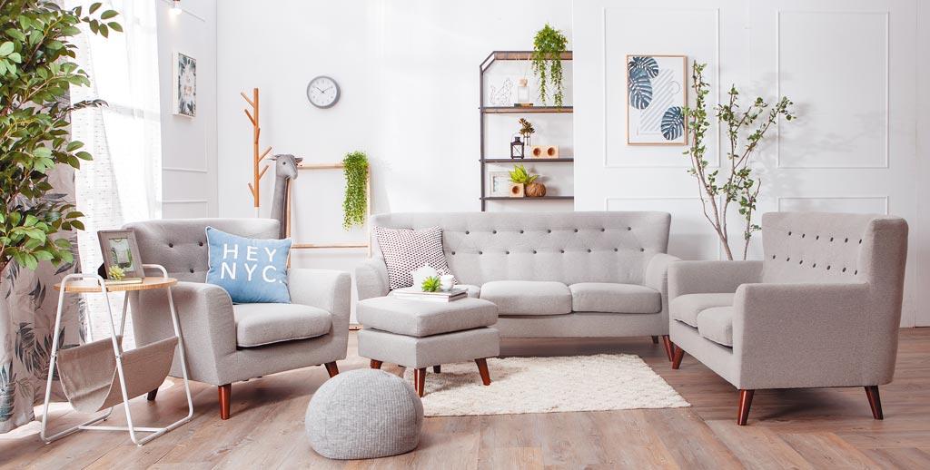 雅適防潑水沙發系列溫馨雙人座,1萬5000元。(生活工場提供)
