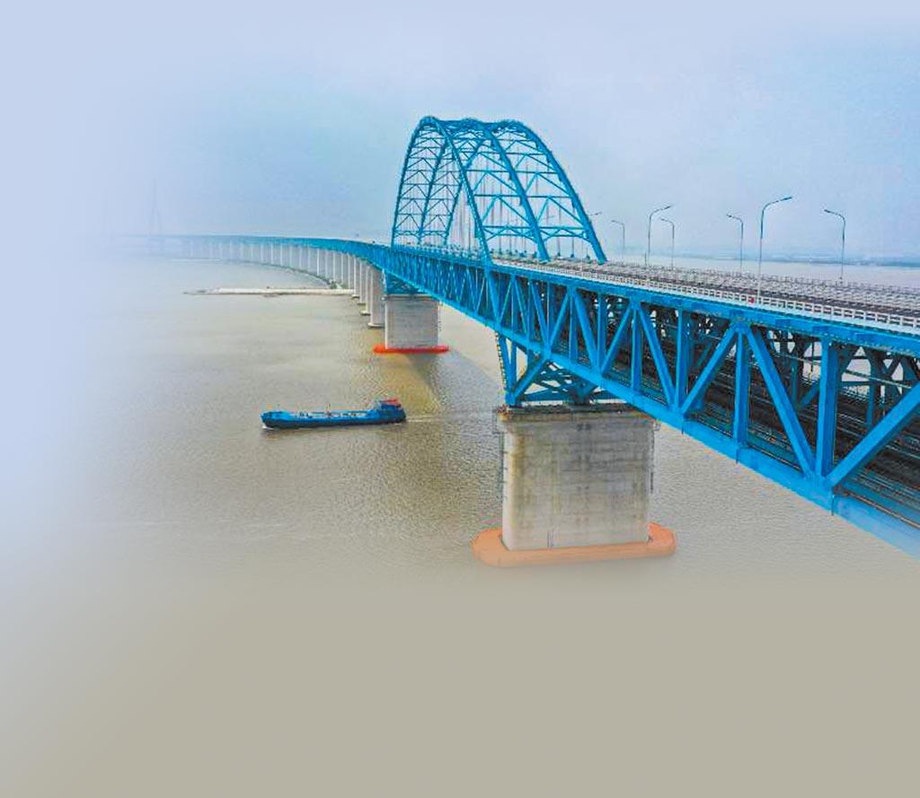 滬蘇通長江公鐵大橋7月1日通車。