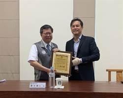 桃園菁華工業防疫國家隊 日產4500件防護衣