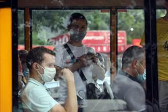 沒戴口罩拒上車 法國公車司機遭毆打致死