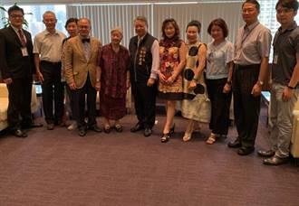 退休大使變身英文老師 帶領偏鄉學生走向國際