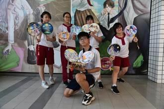 台南》古文成畫作,台南光華高中推「扇畫展」