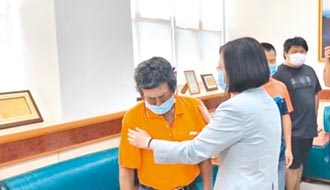 重傷中士阿瑪勒 恢復自主呼吸
