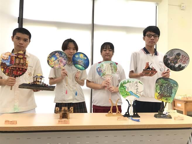 學生作品融合古文、藝術,相當精采。(台南光華高中提供/李宜杰台南傳真)