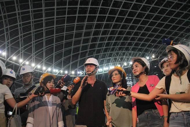 台北市議會工務委員會7日至大巨蛋工地考察。(譚宇哲攝)