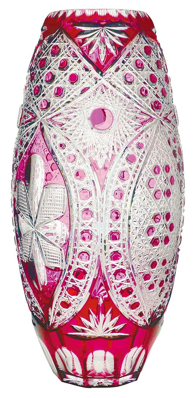 LOTUS紅寶石大花瓶,高57cm,18萬8000元。(旺代提供)