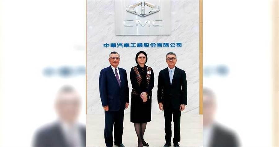 曾任行政院副院長的林信義(左),2007年回鍋中華汽車擔任常董,現在是嚴陳莉蓮最倚重的老臣。