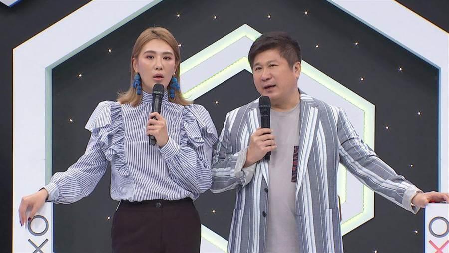 胡瓜(右)自认没有重男轻女。(中天综合台提供)