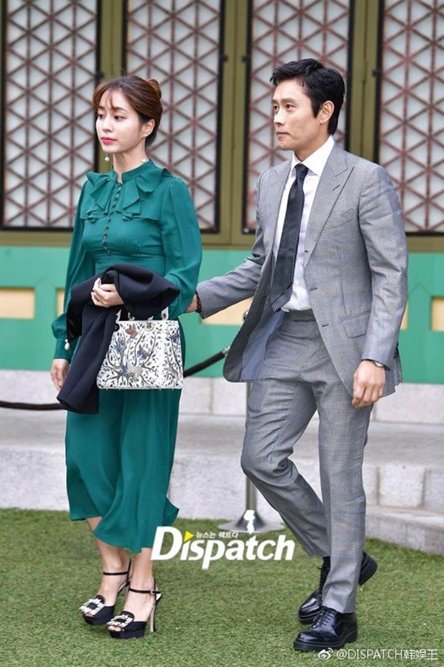 李秉憲在妻子懷孕時找小模調情。(圖/翻攝自DISPATCH韓娛王微博)