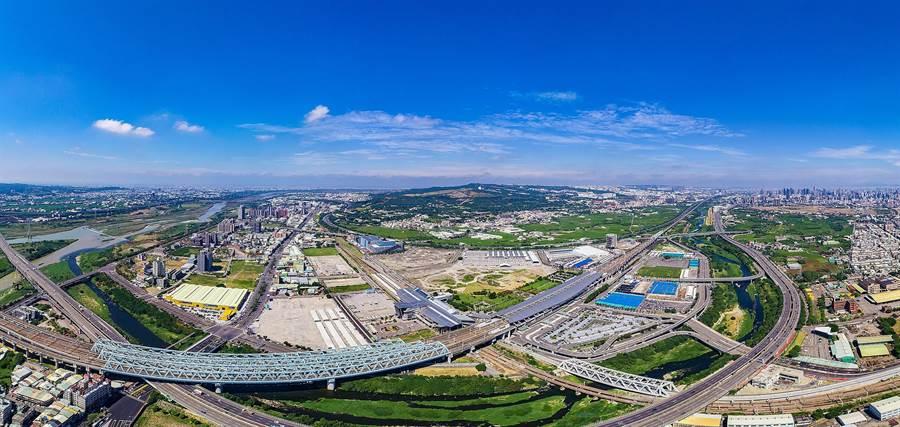 大台中交通建設智慧化,四通八達帶動地方繁榮。(台中市府提供/盧金足台中傳真)