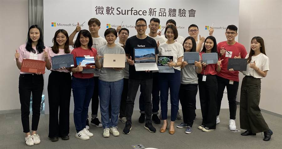 台灣微軟今日在台發表Surface Book 3,並連帶介紹先前上市的Surface Pro X、Surface Go 2兩款產品。(黃慧雯攝)