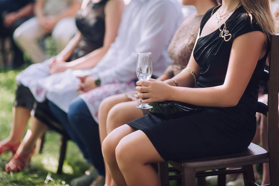 金髮女婚禮穿透視蕾絲洋裝 眾人全看傻(示意圖/達志影像)