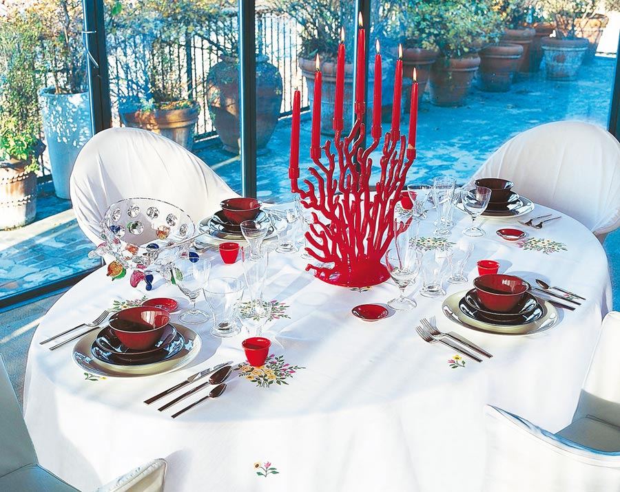 DRIADE家飾餐廚系列,強烈設計感輕易奪取眾人目光。(西法名品提供)