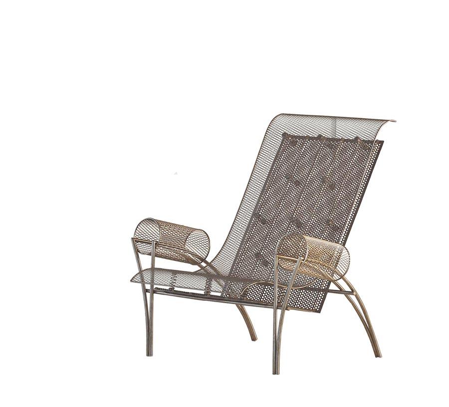 台中歌劇院設計師伊東豊雄設計限量椅,特價32萬5000元。(西法名品提供)