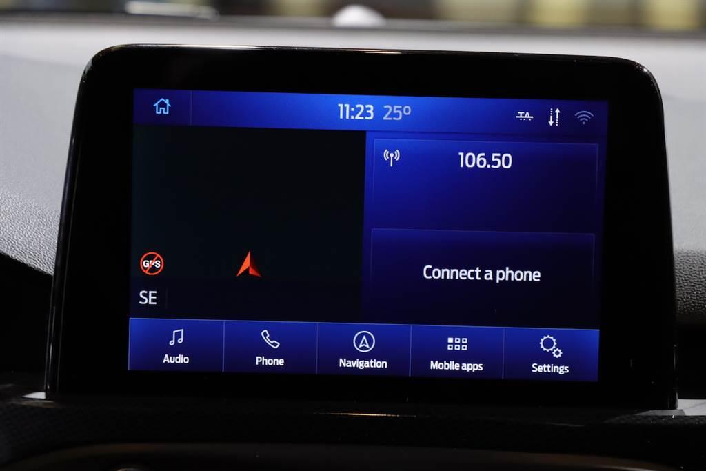 註:本車為認證用車,因此 SYNC3 系統為英文字幕,同時也沒有配置衛星導航。正式上市時會與 Focus ST 掀背版本相同。