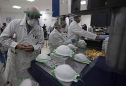 空氣傳播難防控 醫學專家:人類恐與新冠病毒長期共存