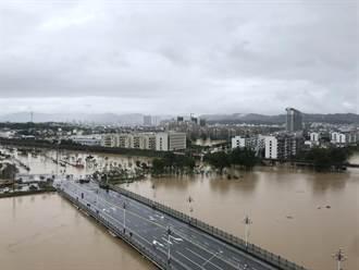 陸發佈今年首次暴雨橙色預警 網民驚:下這麼久還有更大的?