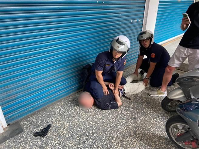 永和分局查獲楊姓犯嫌持有槍枝。(警方提供)