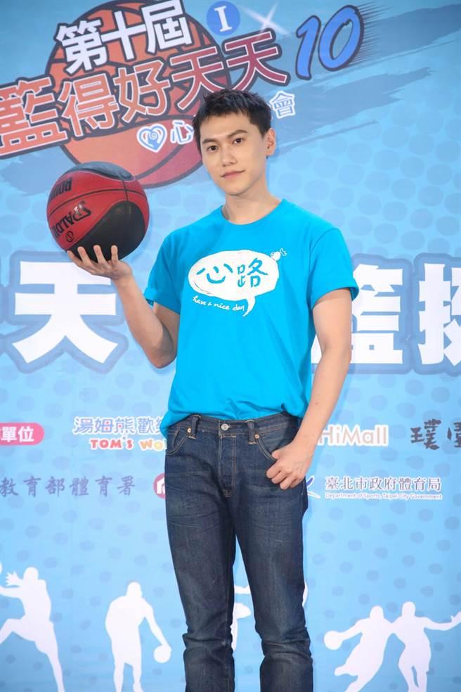 毛弟8日出席籃球公益活動。(吳松翰攝)