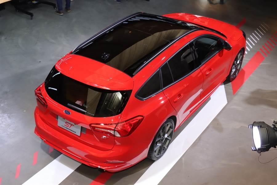 預接單價 142.8 萬,高性能中型旅行車 Ford Focus ST Wagon 率先來台預賞、9月正式發售!