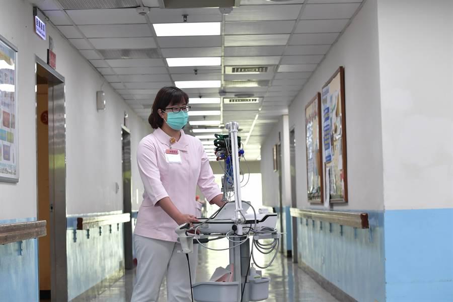 工研院「可見光定位系統」精準協助定位醫療儀器位置,交班時間縮短至10分鐘完成盤點,正確性達100%。(工研院提供/羅浚濱新竹傳真)