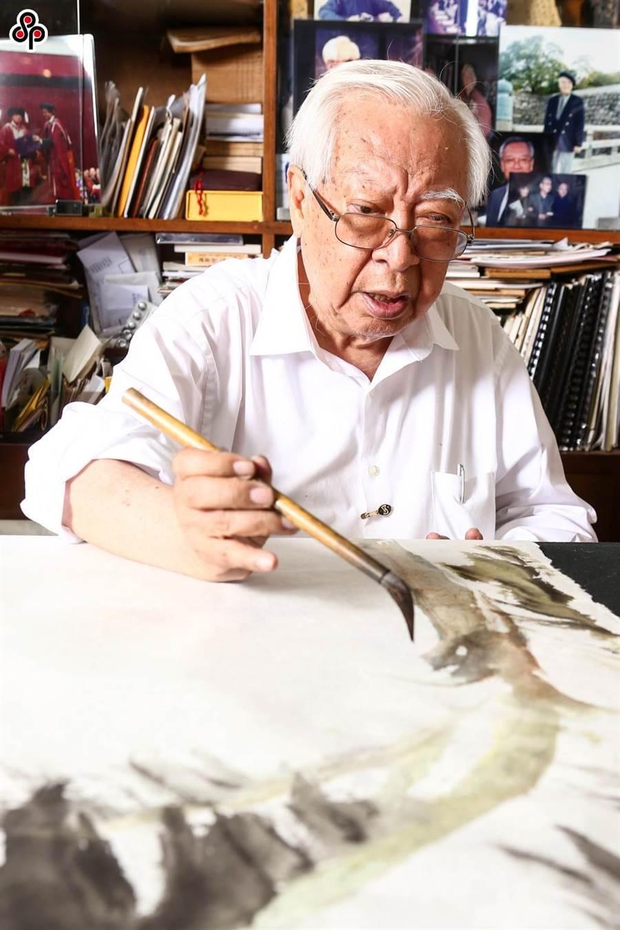 「全球華人藝術網」涉誘騙藝術家簽「作品賣身契」,知名畫家歐豪年也受害。(資料照/王德為攝)