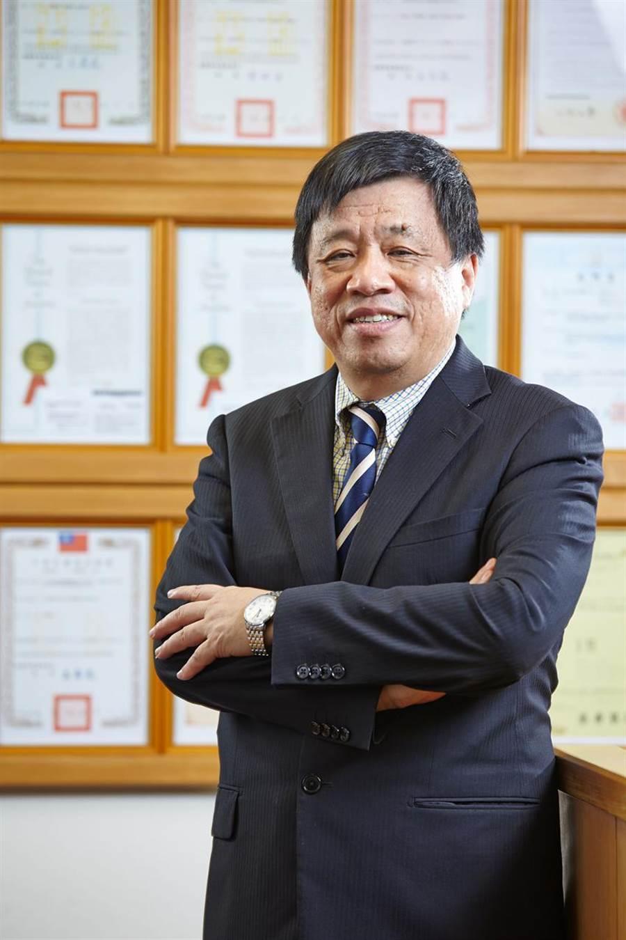 (尖端醫董事長蘇文龍:衝刺抗癌細胞治療,攜萬芳醫院提特管申請。圖/尖端醫提供)