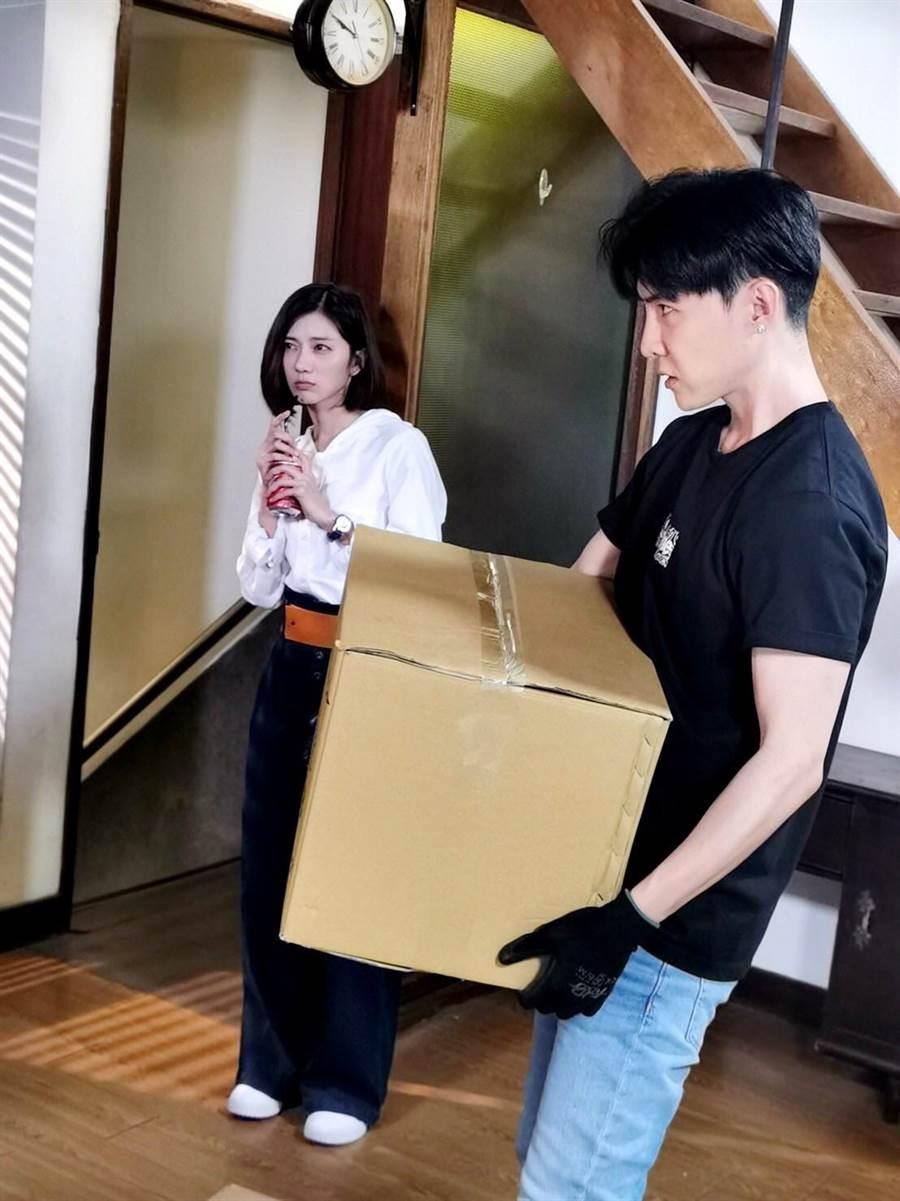 唐禹哲新系中體驗搬家工人,遇到豆花妹。(三立提供)