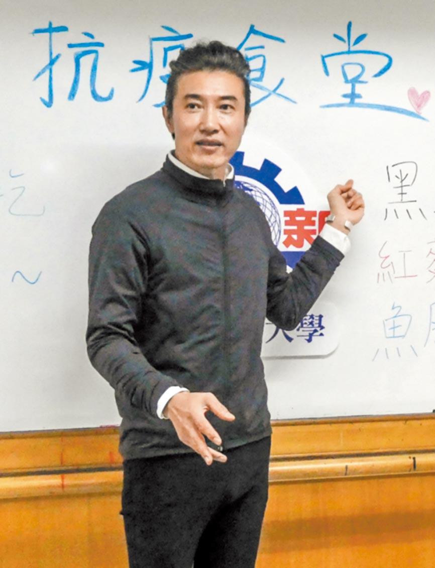 陳鴻昨對讀者的爆料感到無奈。(資料照片)