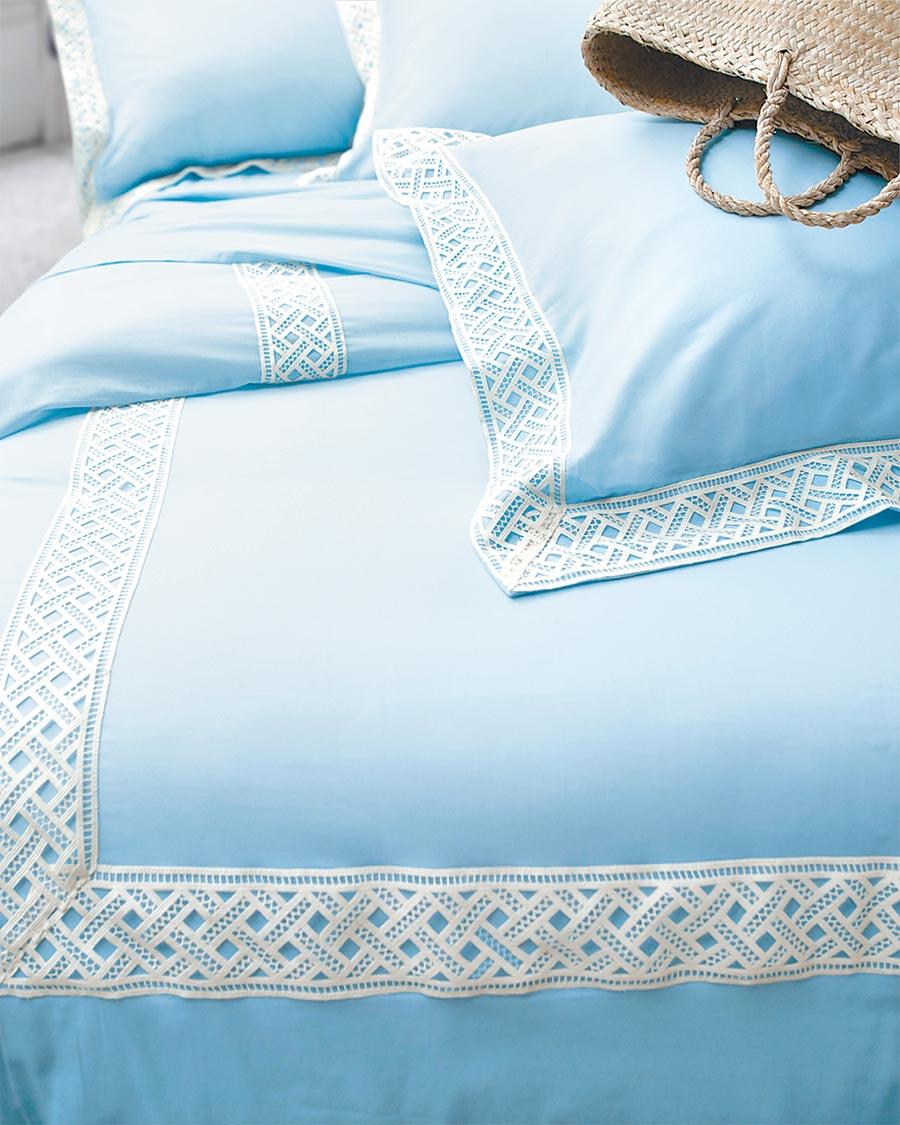 WENTEX 100%純棉輕感紗系列床組,特價6800元。(日比家族提供)