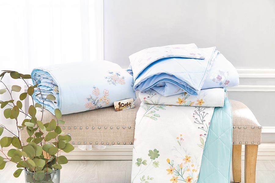 4.冰咖啡紗涼感涼被(多款花色),搭配同款式枕套,特價1980元。(東妮寢飾提供)