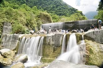 翡翠谷 木瓜溪上的神祕水簾瀑布