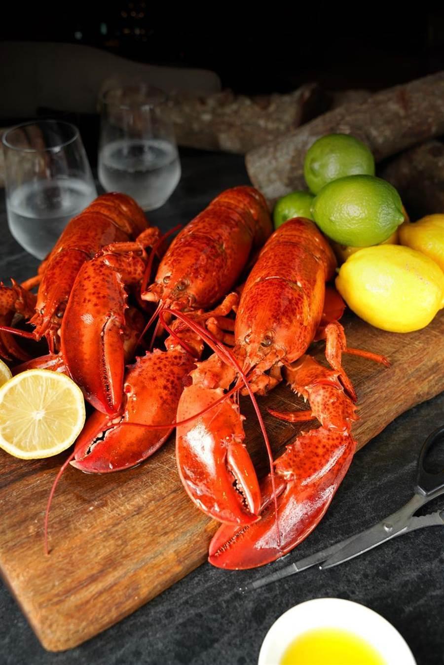 台北君品酒店拚暑假國旅與餐飲商機,加拿大龍蝦分享餐重磅回歸。(圖/台北君品酒店)