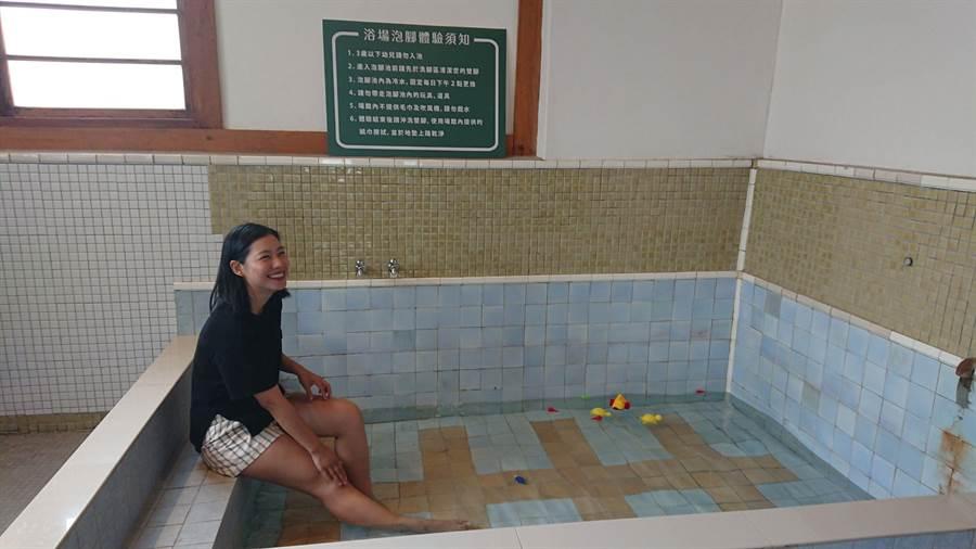 位於台中刑務所官舍群中的日治時代公共浴場已修繕完成,11日起將開放參觀導覽。(林欣儀攝)