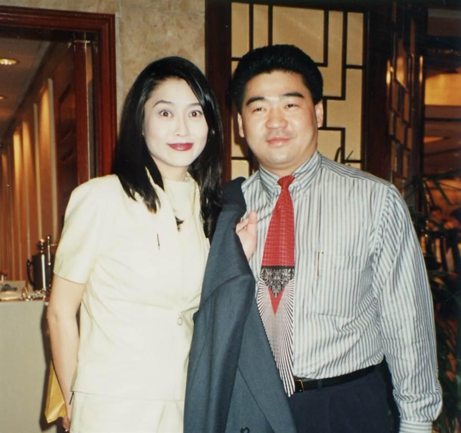 葉玉卿與老公胡兆明結婚20多年,恩愛如昔。(本報系資料照)