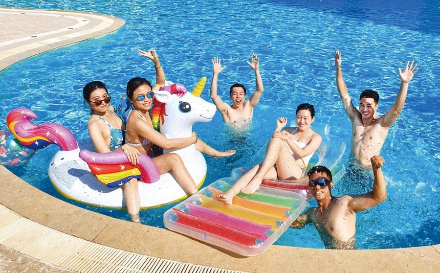 快來趟說走就走的旅行吧!暑假期間,台南遠東飯店特別規畫各項精彩活動為旅宿增添樂趣。圖/業者提供