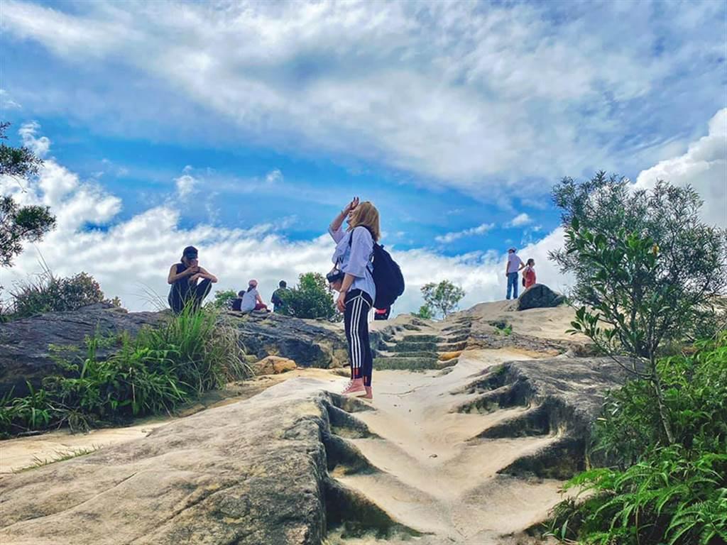 永慶房屋經紀人林瑞穎平時有登山習慣,每日萬步走對她來說相當輕鬆。