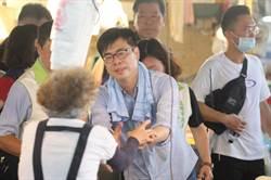 陳其邁鳳山工協巿場 拜票強調不分藍綠