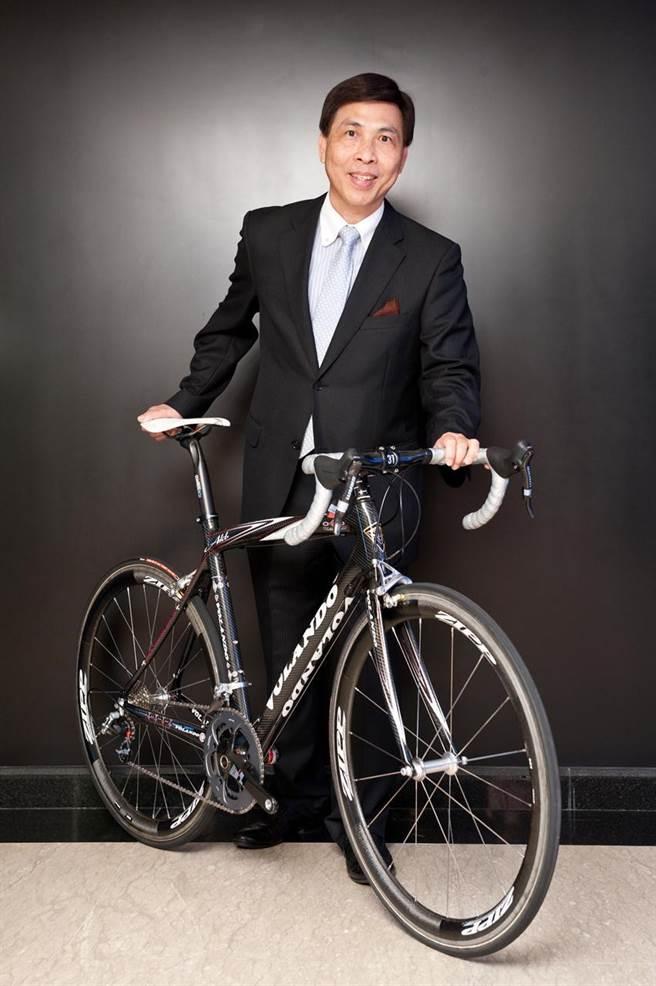 大田轉投資的惠州領航複材科技,生產的自行車訂單滿到年底,圖為大田董事長李孔文。(圖/顏瑞田)