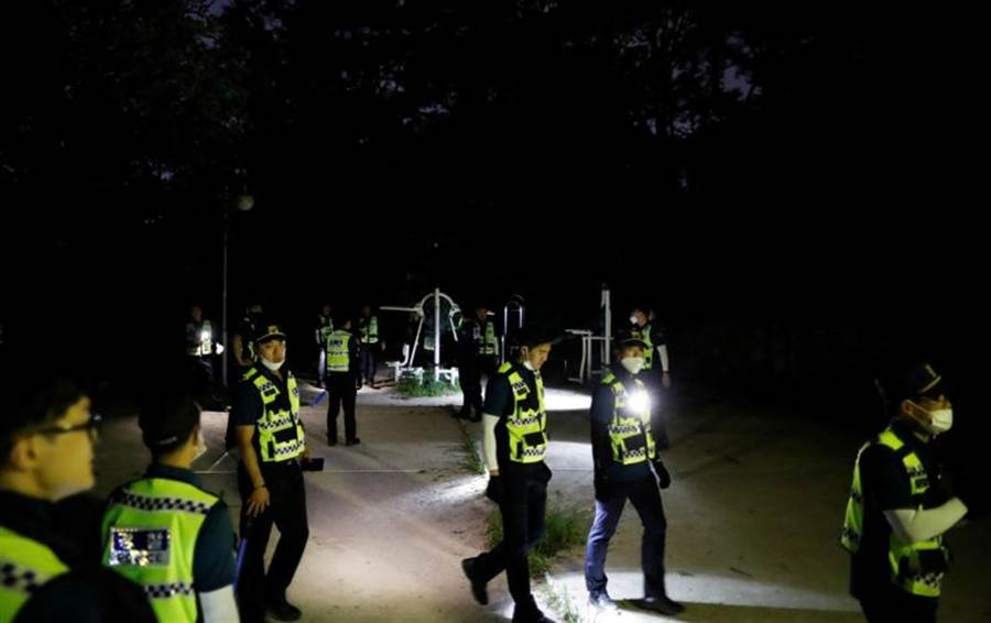 南韓警消經過日夜搜索,10日凌晨宣布首爾市長朴元淳的死訊。(路透)