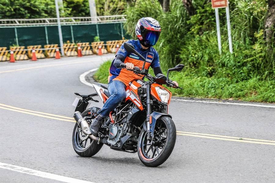 攻佔中小排量 KTM 390 Adventure/ 250 Duke 正式發表