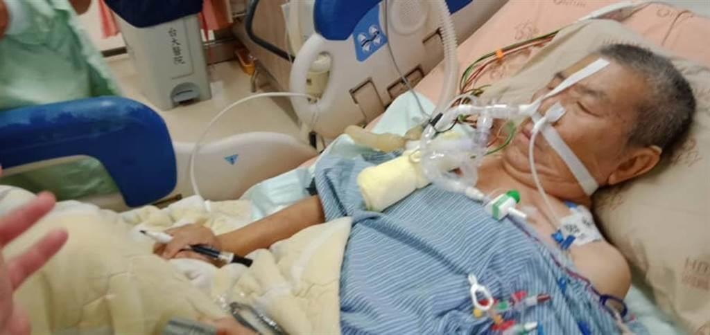 民進黨前立委蔡啟芳患有嚴重肺阻塞,7月在台大醫院接受肺移植手術。(圖/摘自蔡易餘臉書)