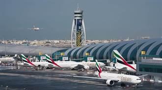 後疫情時代!航空界撐不住 阿聯酋航空宣布裁員9000人