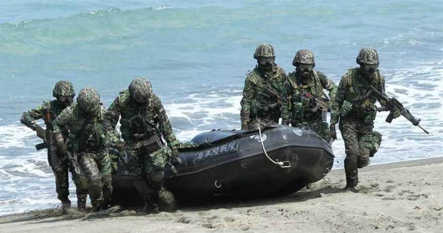 陸戰隊2死1昏迷!幸存者還原真相 2士官一舉動逼哭眾人。(圖/翻攝畫面)