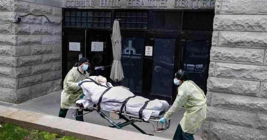 新冠肺炎已造成全球各國大亂,民眾生活大受影響。(圖/美聯社)