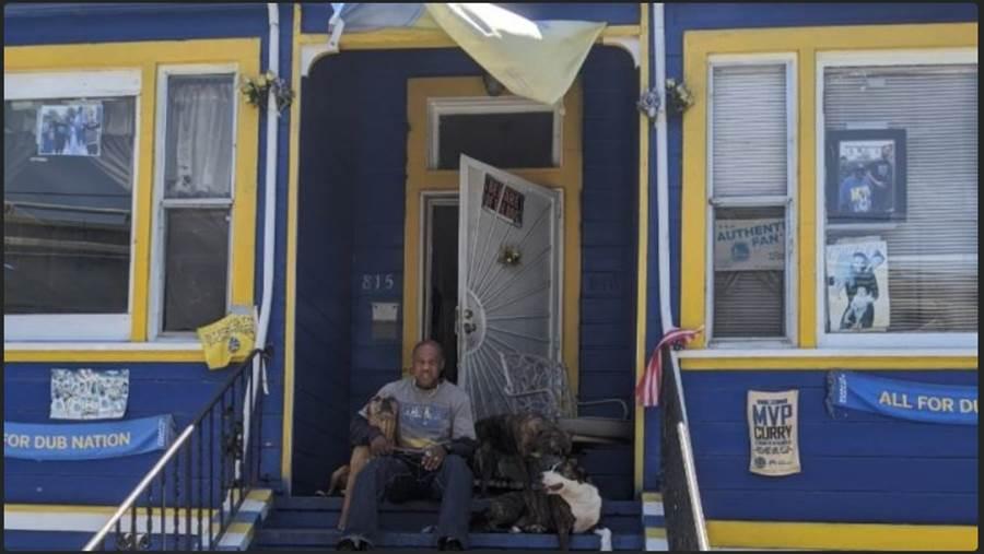 勇士球迷凱納莫爾的「勇士之家」。(摘自gofundme.com)